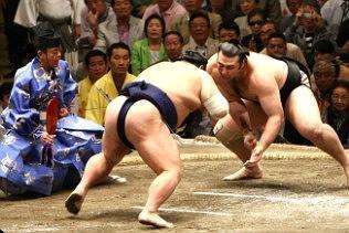 Sumo Wrestling in Japan - Spring tour